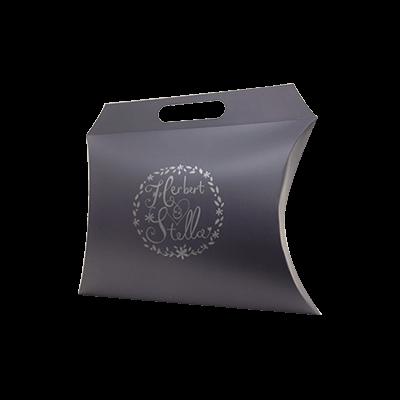 custom-boxes-handle-pillow